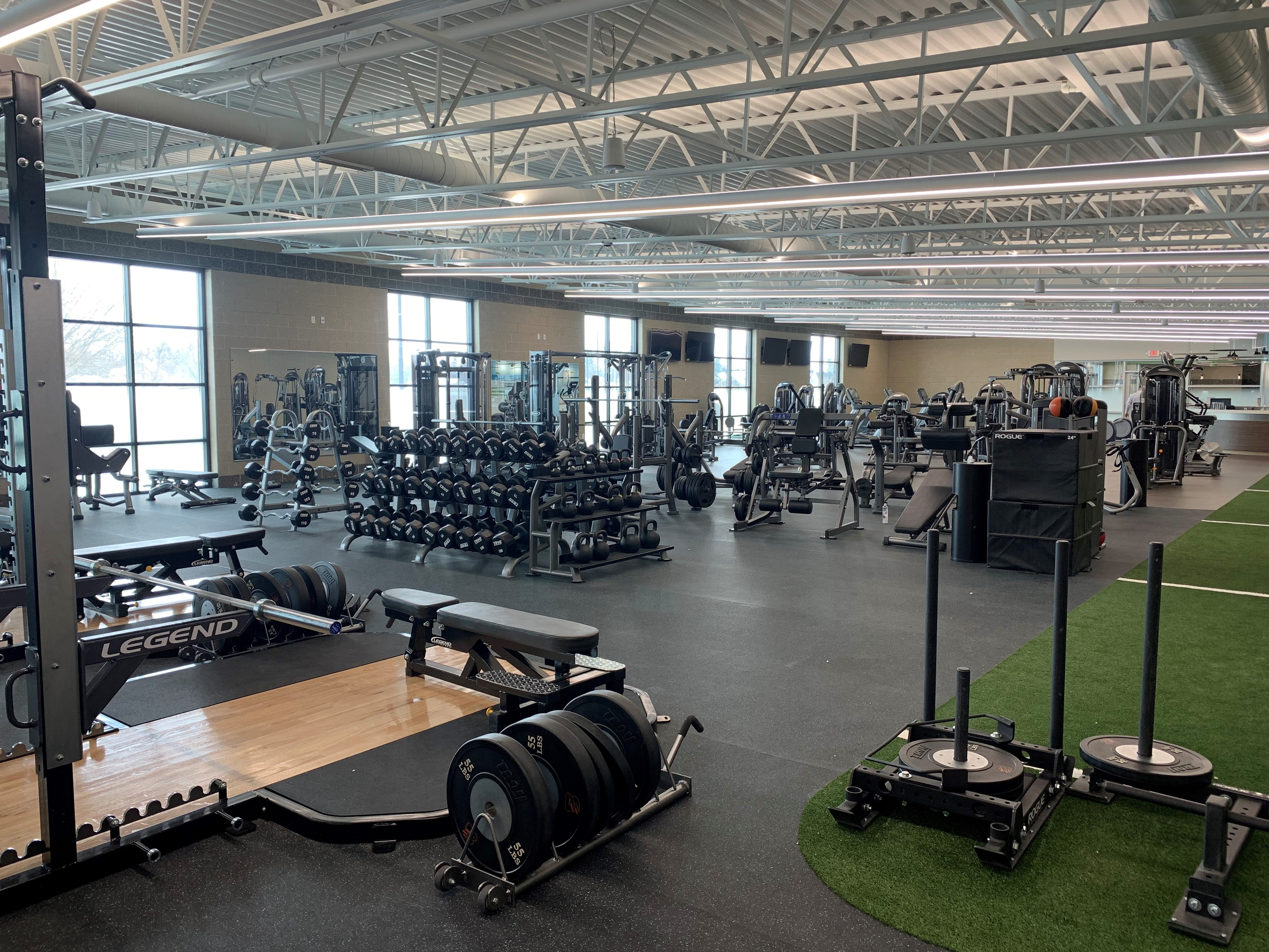 ----weight room 400.jpg